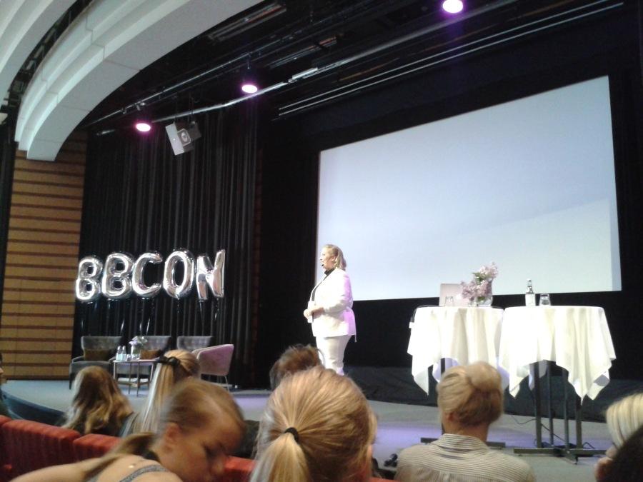 """Linda """"La Linda"""" Hörnfeldt, grundare av Better Bloggers och anordnare av konferensen."""
